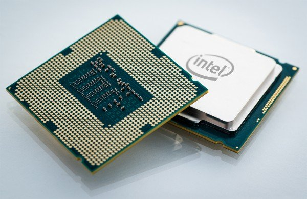 amd-share-price-overtakes-intel-following-on-from-intel-10nm-and-7nm-delays