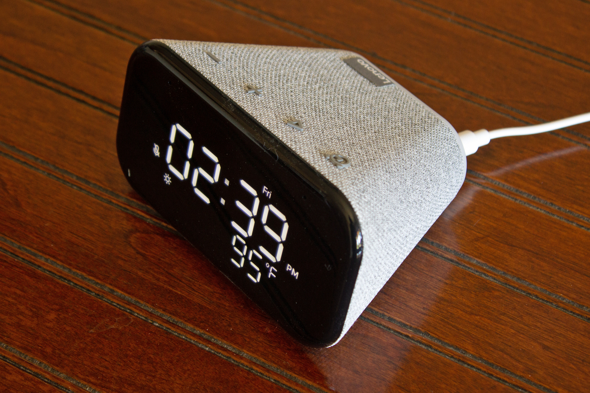 lenovo-smart-clock-essential-review:-a-great-budget-smart-speaker