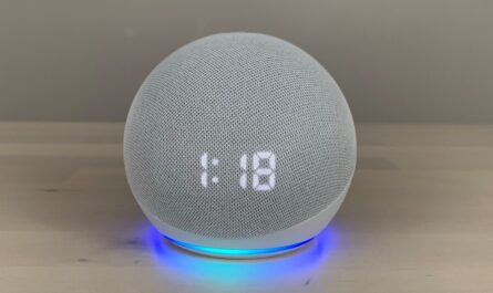 amazon-echo-dot-(4th-gen)-with-clock-review:-the-clock-equipped-echo-dot-gets-a-spherical-makeover