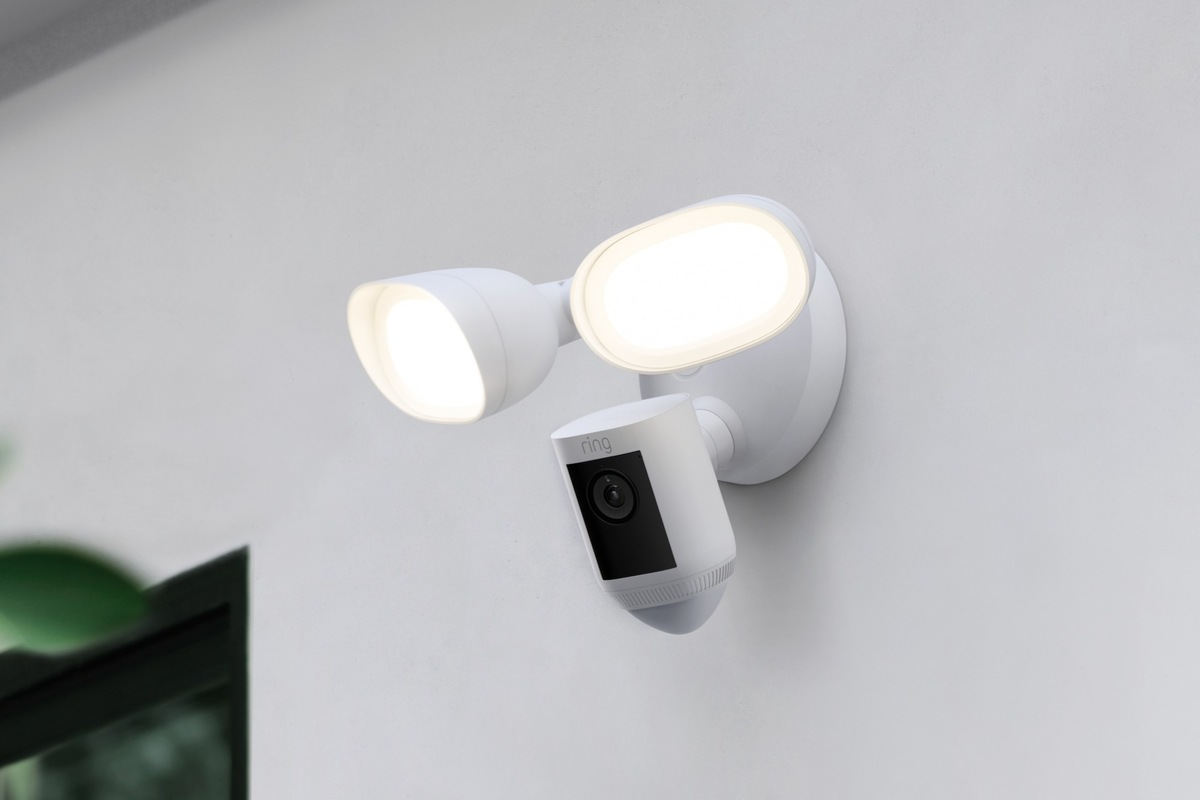 ring-unveils-the-floodlight-cam-wired-pro,-with-radar-powered-bird's-eye-view
