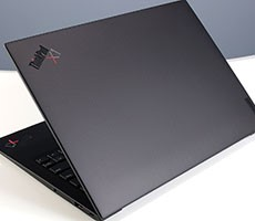 lenovo-thinkpad-x1-carbon-gen-9-review:-ultralight-greatness