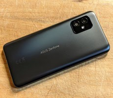 The Compact ASUS ZenFone 8 Finally Arrives Stateside With Snapdragon 888 Power
